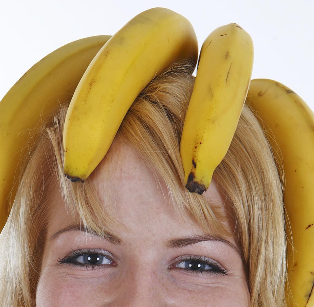 Frau-mit-Banane