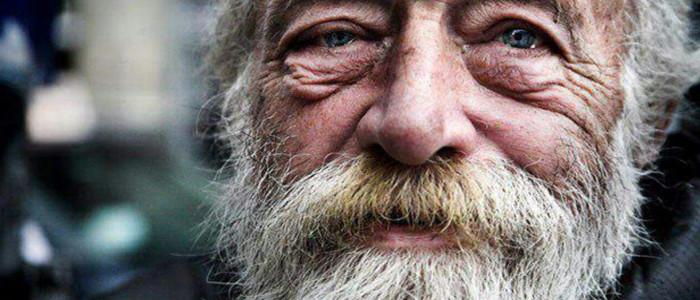"""""""Fii excentric acum. Nu aștepta bătrânețea pentru a purta mov!"""" 30 lecții de viață scrise de un om la 90 de ani"""