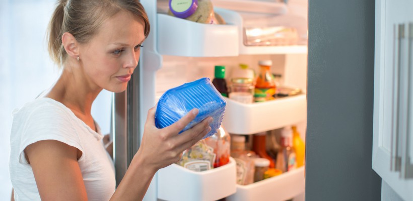 Ai alimente expirate în casă? Vezi pe care și în ce condiții le poţi consuma!
