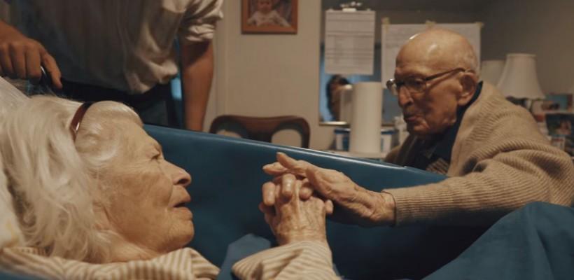 Sunt căsătoriți de 80 de ani și continuă să își dovedească zilnic cât de mult se iubesc (Video)