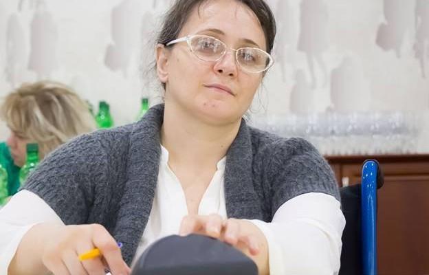 """Adela Postolache: """"Dacă ești femeie cu dizabilități, trebuie să muncești înzecit ca să câștigi autoritate"""""""