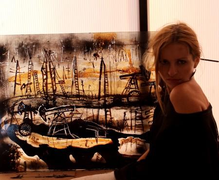 "Moldoveanca Valeria Barbas a pictat cu petrol la festivalul internațional ""From waste to Art"" din Baku, Azerbaijan."