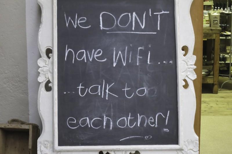 25 de lucruri pe care să le faci atunci când rămâi fără internet