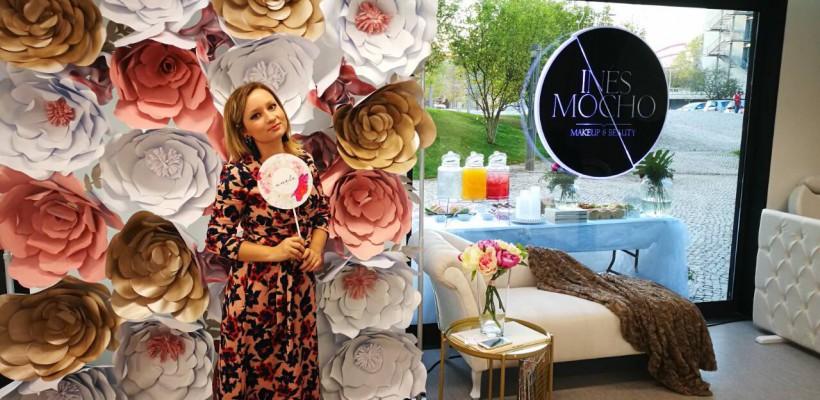 """O moldoveancă stabilită în Portugalia confecționează flori din hârtie: """"Ce poate fi mai frumos decât să creezi o floare fără ca să o rupi de undeva"""""""