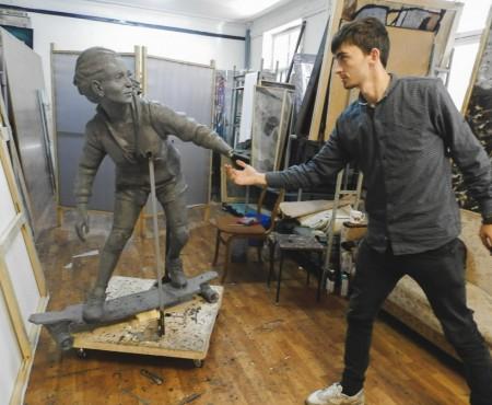 La mijlocul lui decembrie, în Chișinău va mai apărea o sculptură care va îndemna la… mișcare!