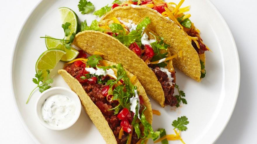 """Te provocăm să-ți testezi gusturile! Încearcă """"Tacos cu pui"""" – cel mai delcios preparat mexican"""