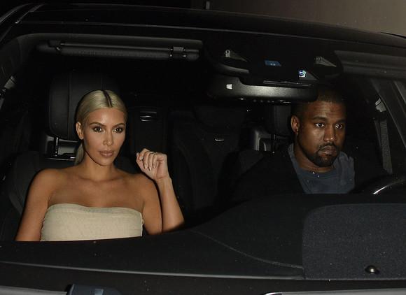 Kim Kardashian angajează patru bodyguarzi să o apere 24 de ore din 24
