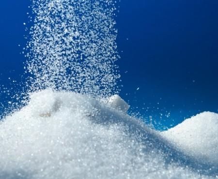 Vă plac dulciurile? Aflați că zahărul contribuie esențial la îmbolnăvirea de cancer