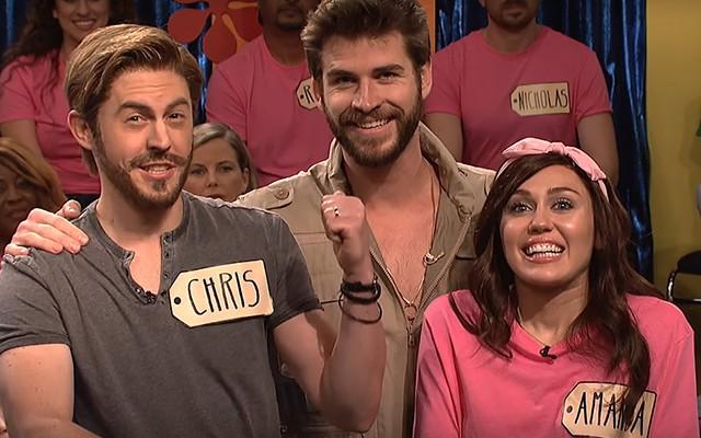 Dragostea plutește în aer! Miley Cyrus și Liam Hemsworth, gesturi tandre în public