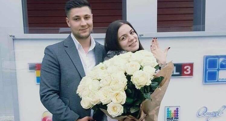 Felicia Dunaf a fost cerută în căsătorie în timp ce modera o emisiune la radio, în direct (Video)