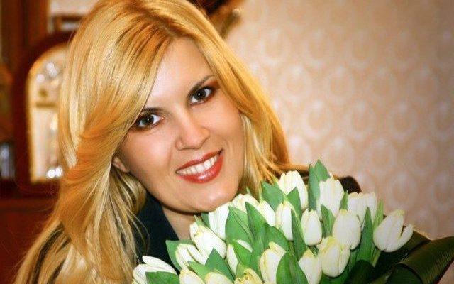 """Elena Udrea și-a făcut o schimbare de imagine! """"Blonda de la Cotroceni"""" este de nerecunoscut (Foto)"""
