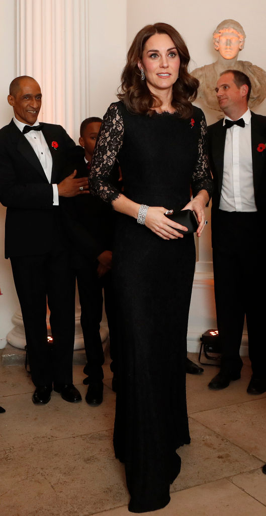 LONDON, ENGLAND - NOVEMBER 7: Catherine, Duchess of Cambridge arrives at the 2017 Gala Dinner for The Anna Freud National Centre for Children and Families (AFNCCF) at Kensington Palace on November 7, 2017 in London, England. (Photo by Frank Augstein - WPA Pool/Getty Images)