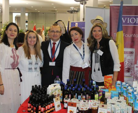 Ambasada Republicii Moldova a avut o prezență de excepție la Bazarul Diplomatic de la Lisabona (Foto)