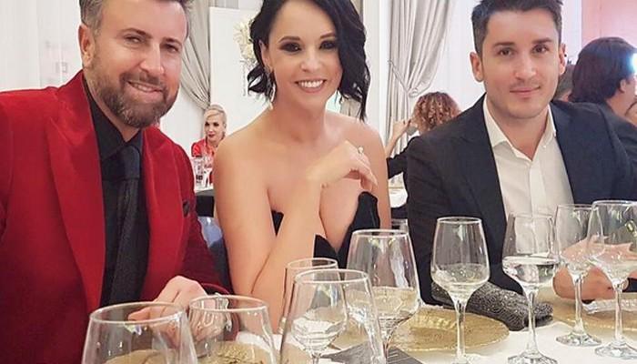 Andreea Marin a atras toate privirile la un eveniment monden! Vedeta a strălucit într-o rochie extrem de sexy (Foto)
