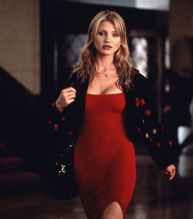 cameron-diaz-une-robe-rouge-moulante-dans-the-mask_232033_w620