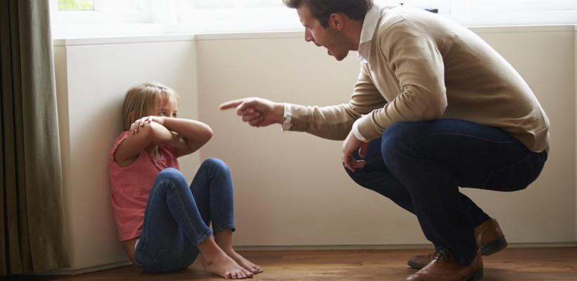 Ești un părinte exigent? Află totul despre sindromul părintelui dictator și  cum se manifestă