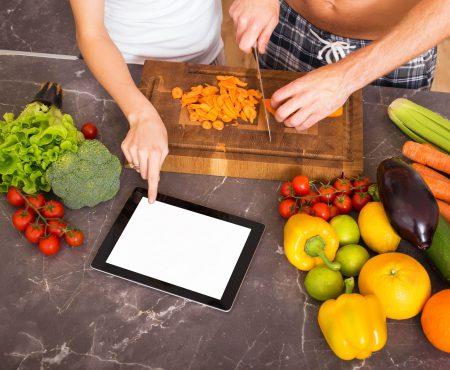 Ții o dietă? Iată ce alimente trebuie neapărat să consumi pentru o viață sexuală uimitoare