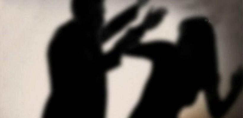 Caz grav de violență în Ialoveni! O adolescentă de 16 ani, dezbrăcată și agresată fizic de patru bărbați și o femeie