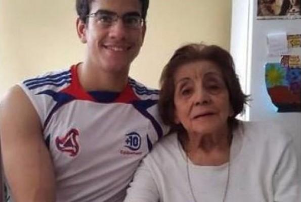 Are 25 de ani, dar vrea pensie de văduv! Tânărul a fost căsătorit cu mătușa sa în vârstă de 91 de ani (Foto)