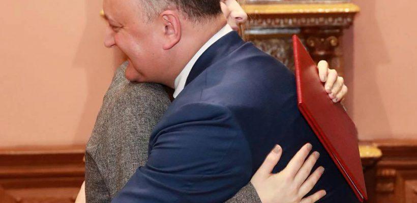 """Ana Munteanu răspunde criticilor după ce a fost premiată de Dodon! """"Rușine să vă fie vouă…"""""""