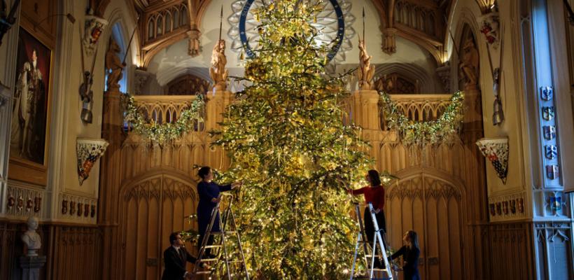 Regalitățile britanice au dat start sărbătorilor de iarnă! Admiră decorul de poveste de la Palatul Buckingham