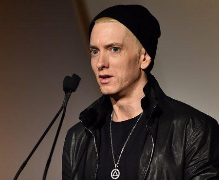 Nou album muzical de la Eminem. Artistul abordează teme sociale, politice și personale