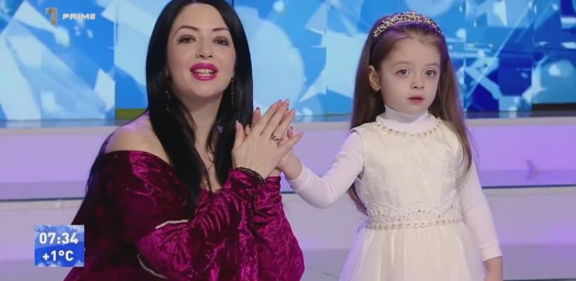 Mariana Șura a lansat un colind alături de fiica sa, Evelina. Artista a dezvăluit care va fi numele celui de-al doilea copil (Video)