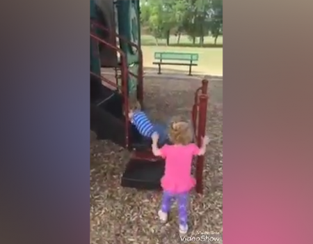 Un video extrem de emoționant, despre cum un copil fără mâini și picioare vrea să fie ca toți