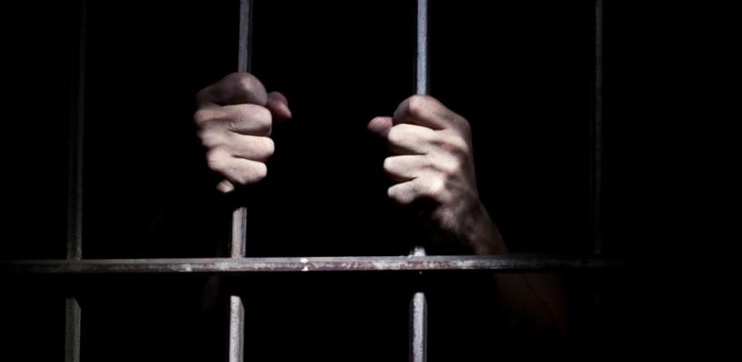 Bărbatul din Ungheni, care şi-a bătut până la moarte fiul minor va petrece 12 ani după gratii
