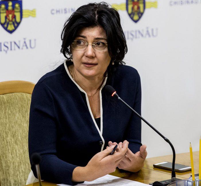 """Primărița de Chișinău, Silvia Radu: """"Prima casă a familiei noastre a fost o odaie de 16 metri pătrați în căminul Universității de Stat"""""""