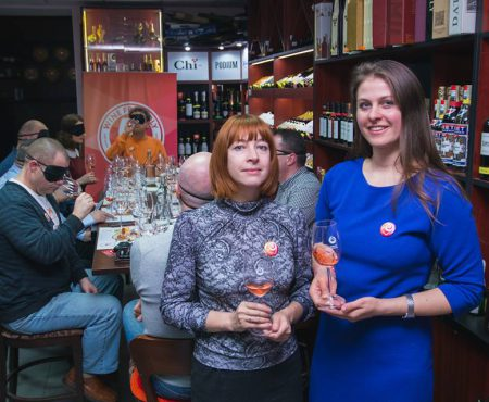 """Snejana Zacepa, fondatoarea Wine.md: """"Vinul are o întreagă filozofie, influențată de gust, aromă, atmosferă dar și dispoziție"""" (Video)"""