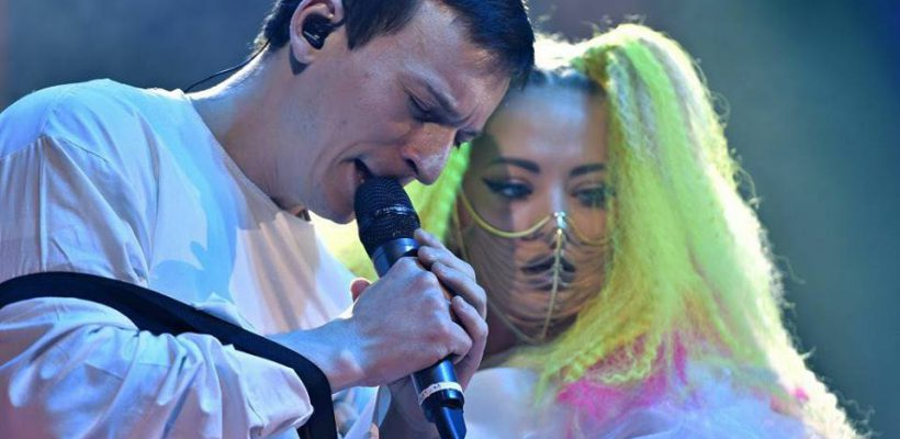 Două cele mai celebre piese din România pentru anul 2017 sunt compuse și interpretate de un basarabean