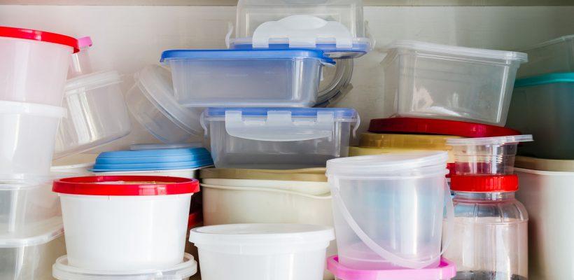 Și tu folosești celebrele caserole din plastic? Iată care este termenul lor de valabilitate