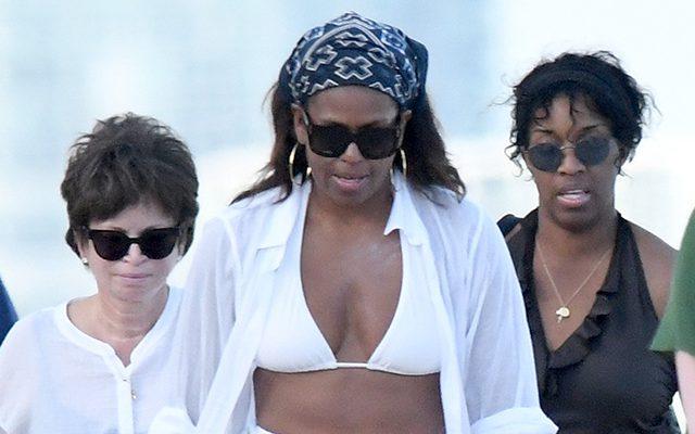 Michelle Obama, surprinsă în costum de baie. Se odihnește în Miami împreună cu fiica sa