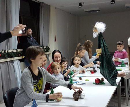 """Atelierul de creație """"Mâini dibace ajunge și la moldovenii din Grecia"""