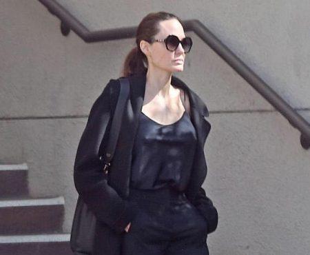 Angelie Jolie, sexy în all black! Actrița poate fi strălucitoare și într-o ținută simplă (Foto)