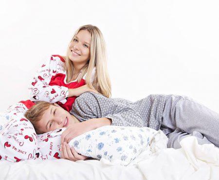 În februarie dăruim iubire! 3 motive ca să alegi 3 tipuri de pijamale cadou (Foto)