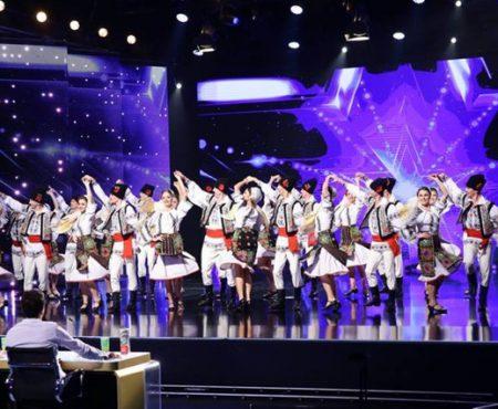 """""""Numai moldovenii pot să danseze așa frumos, bravo!"""" JOC a făcut furori la """"Românii au Talent"""""""