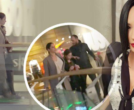 Noi poze cu Andreea Marin și iubitul ei! Zâna s-a plimbat cu Adrian și Violeta într-un centru comercial (Foto)