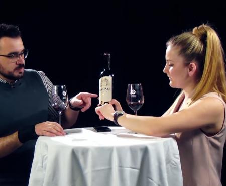 Pașii pe care trebuie neapărat să-i urmezi în degustarea unui vin (Video)