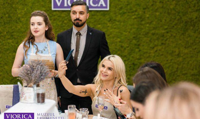 Influencerii instagramului moldovenesc și-au dat întâlnire cu ocazia dechiderii Muzeului Frumuseții Viorica Cosmetic